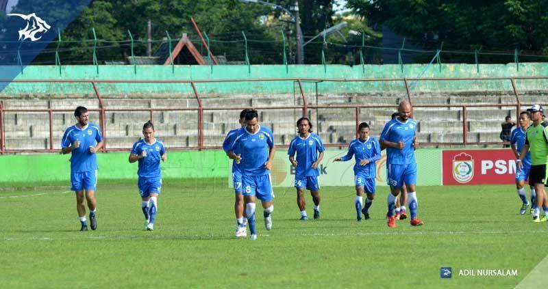 foto-latihan-uji-coba-lapangan-stadion-andi-matalata-makassar-psm_8168