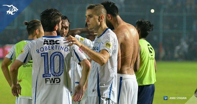 Arema vs Persib - Diogo Ferreira