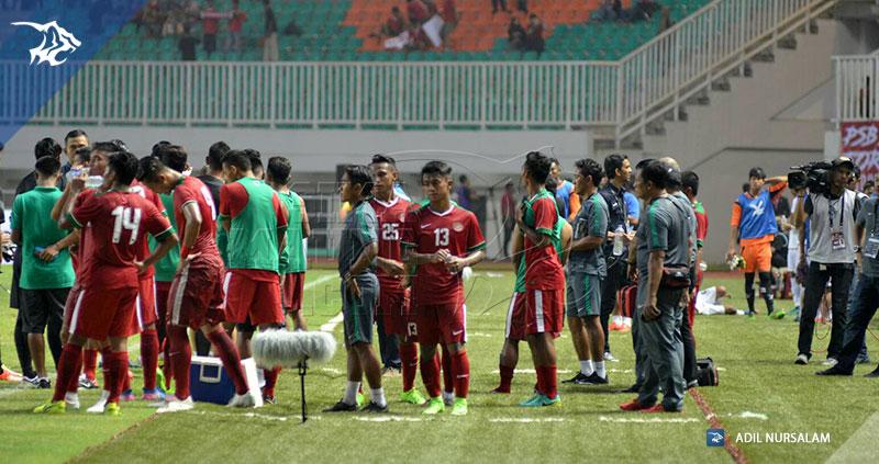 Pakansari-Timnas-vs-Myanmar-water-break-19