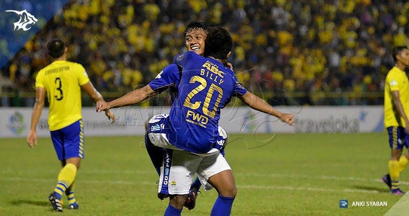Foto-Persegres-Gresik-United-vs-Persib-Bandung-Liga-1-2017-Billy-Febri_0010