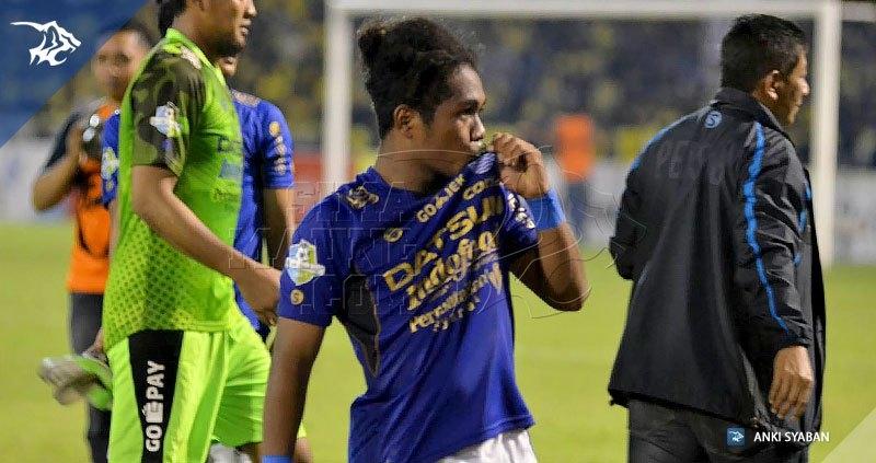 Foto-Persegres-Gresik-United-vs-Persib-Bandung-Liga-1-2017-Billy-Keraf_0005