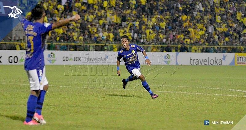 Foto-Persegres-Gresik-United-vs-Persib-Bandung-Liga-1-2017-Billy-Keraf_0008