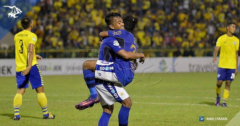 Foto-Persegres-Gresik-United-vs-Persib-Bandung-Liga-1-2017-Febri-Billy_0007
