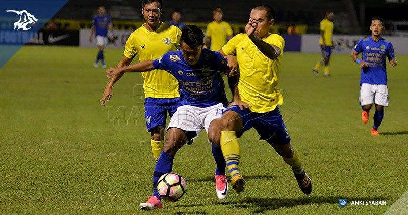 Foto-Persegres-Gresik-United-vs-Persib-Bandung-Liga-1-2017-Febri-Hariyadi_0004