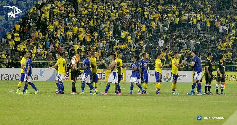 Foto-Persegres-Gresik-United-vs-Persib-Bandung-Liga-1-2017_0016