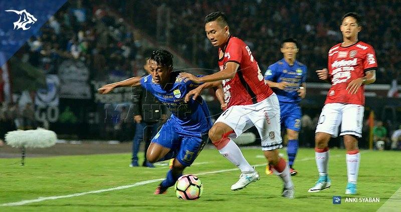 foto-bali-united-vs-persib-liga-1-2017-febri-hariyadi-20170531_170531_0005