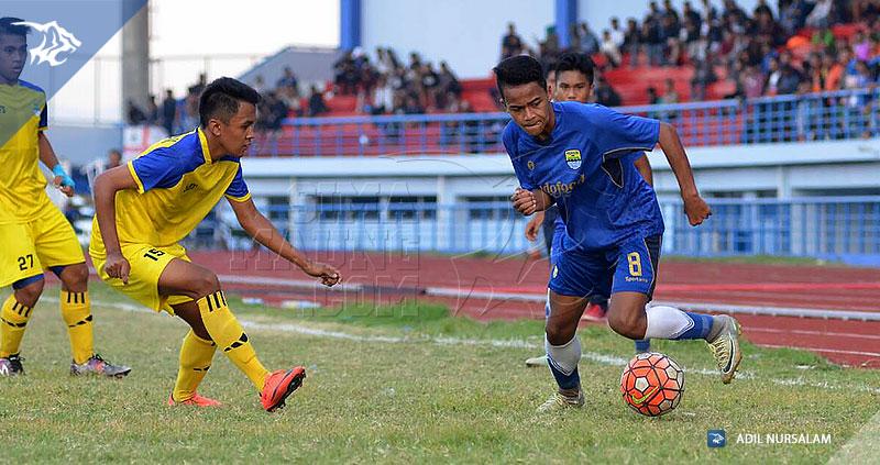 foto-persib-u17-vs-bandung-legend-semifinal-piala-soeratin-2017-1