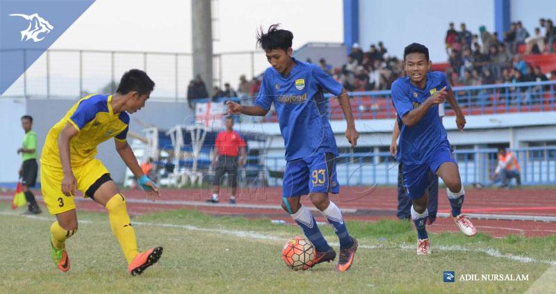 foto-persib-u17-vs-bandung-legend-semifinal-piala-soeratin-2017-beckham-putra-76910