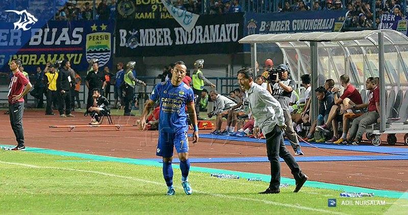 foto-persib-vs-borneo-fc-liga-1-2017-jajang-nurjaman-atep-20170520 #1_170522_0021