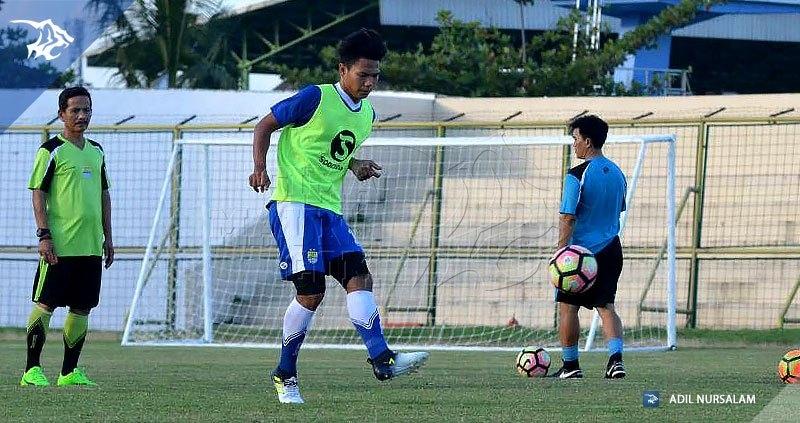 LATIHAN-persib-di-stadion-17-mei-banjarmasin-vs-barito-putera-2017-achmad-jufriyanto_170617_0009