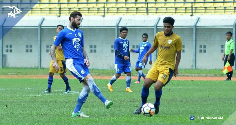 Persib Bandung Berita Online | simamaung.com » Tiga Pemain Baru Butuh Pemahaman dengan Pemain Lama